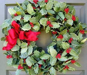 Agrifoglio (ilex-aquifolium) ghirlanda Natalizia per porta rosso-verde-porta-fortuna-tradizioni